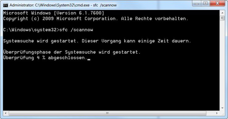 Systemdatei-Check: Der Befehl sfc.exe kann fehlende Systemdateien wiederherstellen und beschädigte Windows-Dateien ersetzen. Dafür muss die Installations-DVD bereitgehalten werden. Ferner erfordert das Tool Admin-Rechte.