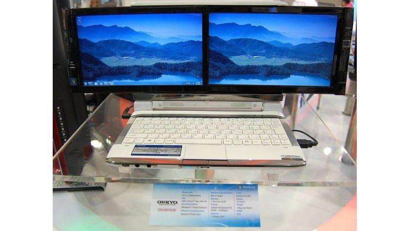 Doppeltes Lottchen: Das Notebook von Onkyo arbeitet mit zwei Bildschirmen. (Quelle: Computerworld.ch)