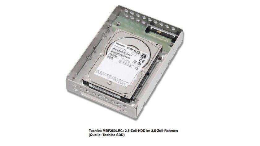 Eingebettet: Toshiba bietet seine 2,5-Zoll-Enterprise-Festplatte MBF2xxLRC mit einem 3,5-Zoll-Einbaurahmen an. (Quelle: Toshiba)