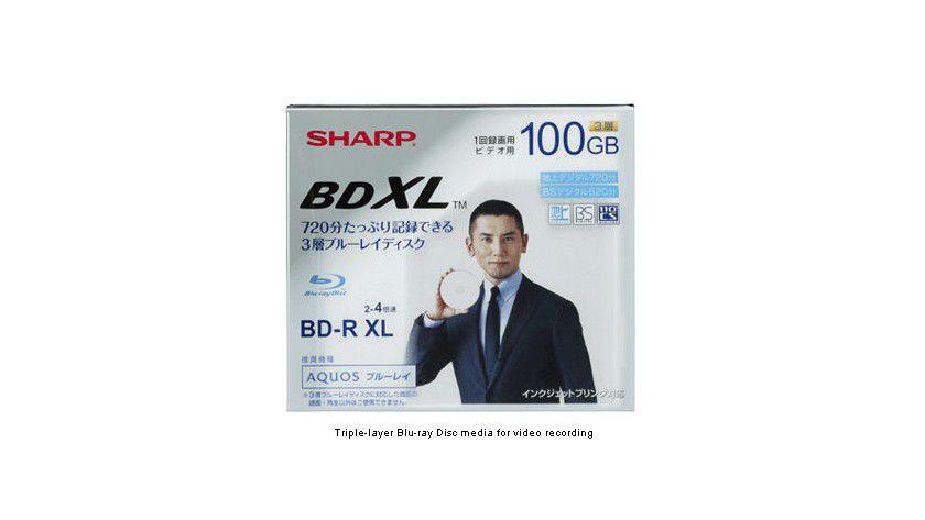 Sharp BDXL: Die Blu-ray XL soll 100 GByte Kapazität aufweisen. Die einmal beschreibbare Scheibe mit drei Layern entspricht dem neuen BDXL-Standard. (Quelle: Sharp)