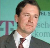 Mathias Döpfner, designierter Vorstandschef des Axel Springer Verlags, ist sauer: Die Entwicklung des Redaktionssystems von Bild.de erweist sich als Fass ohne Boden.