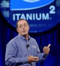 Paul Otellini bei seiner Keynote zum IDF Fall 2002 in San Jose.