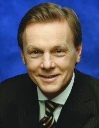 Herbert Walter, Vorstandschef der Dresdner Bank, lässt sämtliche IT-Projekte auf den Prüfstand stellen.