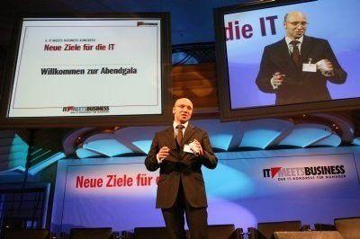 Michael Beilfuß, Verlagsleiter der COMPUTERWOCHE, eröffnet den Galaabend zur Preisverleihung.