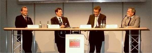 Die Diskussionsteilnehmer von links nach rechts: Norbert Peczynski, CIO des ADAC; Karsten Sontow, Vorstand Trovarit AG; HeinrichVaske, Computerwoche; Werner Schmid, Geschäftsführer GPS GmbH.