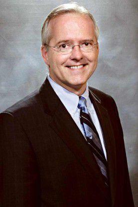 Mark Shearer, Chef von IBMs I-Series-Sparte, wirbt mit Kostenvorteilen beim Anwendungsbetrieb.