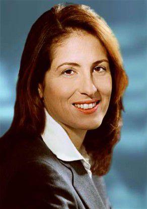 Dorothee Belz, Chefjustitiarin von Microsoft Deutschland, wirft der EU-Kartellrechtskommissarin Neelie Kroes Befangenheit und mangelnde Objektivität vor.