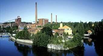 Die Nokia-Fabrik am Rande der Stadt