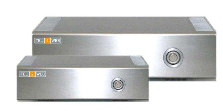 """Die beiden T2W VoIP-Server Modelle """"3000"""" und """"4000""""."""
