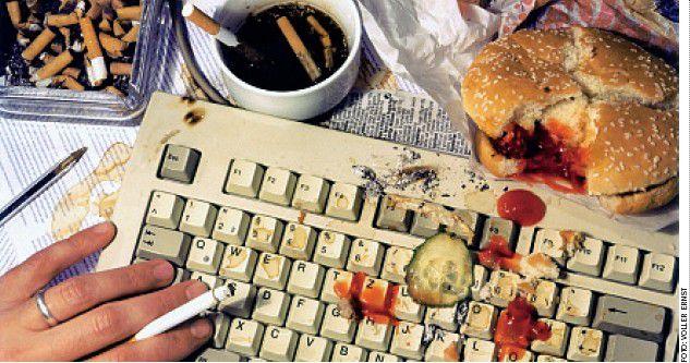 Endgültig vorbei - so prophezeien es viele Arbeitsmarkt- und IT-Chefs - sind die Zeiten, in denen sich Computerleute hinter dem Bildschirm mit Hamburger und Kaffee verstecken konnten. Die Fachabteilung wünscht sich den eloquenten Problemversteher.