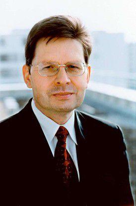 """Antonio Schnieder, Präsident des BDU: """"Die Unternehmen haben 2006 wieder vermehrt Geld für die Produkterneuerung oder die Markterweiterung in die Hand genommen."""""""
