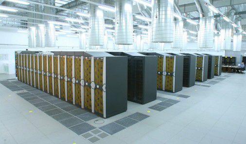 Superrechner brauchen eine gute Kühlung. Trotzdem gibt es Möglichkeiten, bei den Energiekosten erheblich zu sparen.