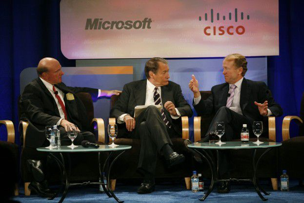 Microsoft-Chef Ballmer und Cisco-CEO Chambers diskutieren Kooperationsfragen.