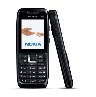 Das Nokia E51 ist ganz in schwarz (Foto) sowie auch in silber erhältlich.