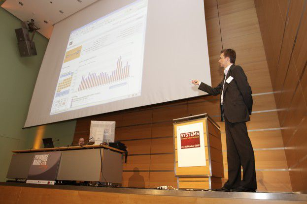 Alexander Emmendörfer zeigte, wie potenzielle Kunden mit gezieltem E-Mail-Marketing bei der Stange gehalten werden können.