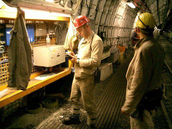 Für den Grubenbereich mussten Netzkomponenten und Endgeräte erst aufwändig entwickelt und zugelassen werden (Foto: DSK).