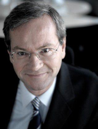 """Thomas Siegner, Mitglied der Geschäftsleitung von Softlab: """"In Deutschland gibt es zwei Möglichkeiten, Services zu betreiben: Entweder man bietet Dienstleistungen in mäßiger, besser noch guter Qualität zu günstigen Preisen an. Oder man konzentriert sich auf die höherwertigen Services. Wir haben uns für Letzteres entschieden."""""""