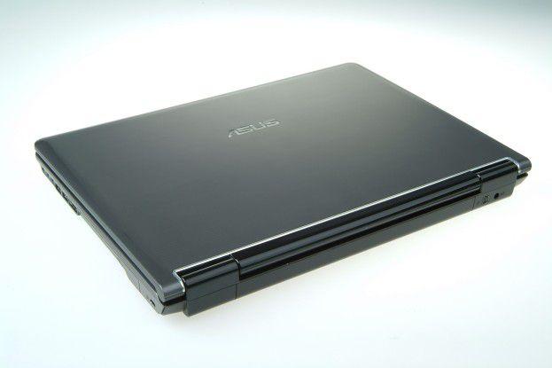 Asus M70: Das neue Notebook kommt auf eine Speicherkapazität von 1 TB.