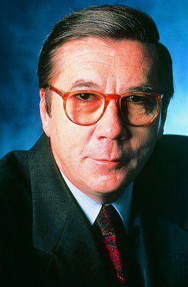 Bernhard Dorn, von 1987 bis 1995 Geschäftsführer der IBM Deutschland GmbH, starb am 10. Februar 2008.
