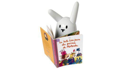 Nabaztag liest aus Büchern mit RFID-Tag vor. Den Inhalt holt sich der Hase aus dem Internet.