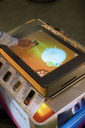 Surface hat einen 30-Zoll-Touchscreen und arbeitet mit einem modifizierten Vista.