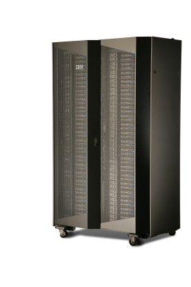 In ein iDataPlex-Chassis passen 84 Server-Einschübe.