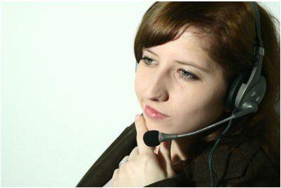 Mit Analyse-Tools lassen sich kritische Stimmungen in einem Call-Center-Gespräch identifizieren.