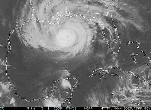 Der Tropensturm Gustav soll heute im Lauf des Tages die Golfküste erreichen.