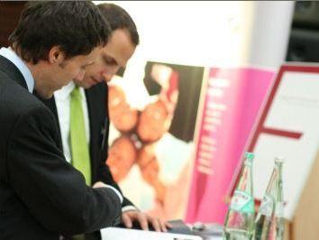Informationsgespräch zwischen Bewerber und Berater auf den Hobsons Consulting Days im vergangenen Jahr.
