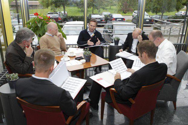 Die Diskussion um das Thema Flexibilität setzten sich in den Kaffepausen des Syntegrations-Workshops fort.
