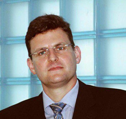 Dieter Schoon, Personalleiter der Itelligence AG: Einsteiger müssen gut zuhören und sich bis zu einem gewissen Maß zurückhalten.