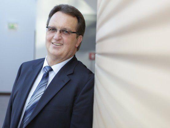 """LVM-CIO Werner Schmidt sieht den Preis """"CIO des Jahres"""" weniger als persönliche Auszeichnung denn als Honorierung der Leistung seiner Mitarbeiter."""