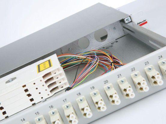 Dätwyler stellt unter anderem kundenspezifische Glasfaserlösungen für Hochleistungs-Rechenzentren bereit.