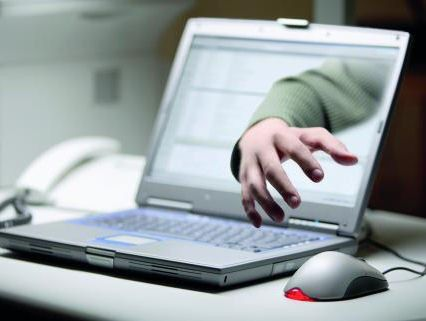 Mitarbeiter umgehen die geschützten Netze, indem sie Informationen direkt am Gerät abgreifen.