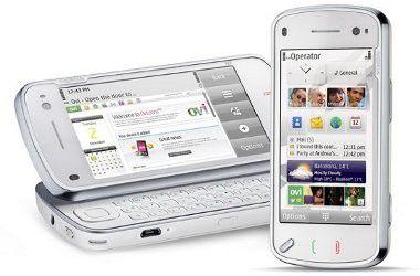 Nokia N97: Das erste Smartphone-Modell mit Touchscreen und Qwertz-Tastatur von Nokia.