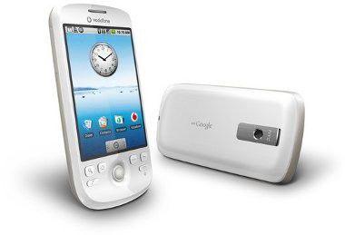 Im Vergleich zum T-Mobile G1 ist das HTC Magic deutlich schlanker geraten.