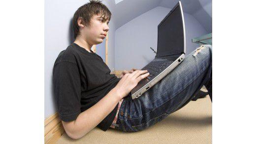 Die Produktivität im Home Office ist in Gefahr, wenn der Nachwuchs beim Surfen digitale Schädlinge einschleppt. Foto: Fotolia/David Hughes