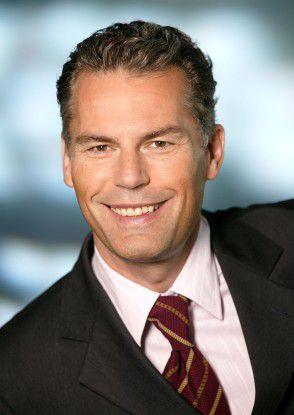 """""""IT bietet innovative Lösungen, um die Krise leichter zu überstehen und sogar Wettbewerbsvorteile zu erzielen. So wird vor allem Virtualisierung zu einem strategischen Bestandteil der Geschäftstätigkeit"""", sagt Robert Helgerth, Senior Direktor Mittelstand und Partner sowie Mitglied der Geschäftsleitung bei Microsoft Deutschland."""
