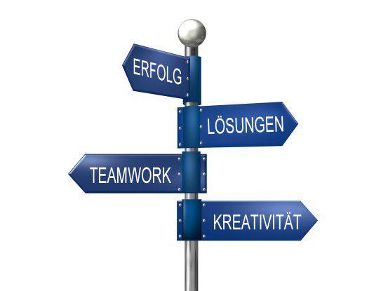 Wersich als Entwickler behaupten will, muss Tätigkeiten ausüben, die viel mit Kommunikation verknüpft sind. Foto: Fotolia/ Michanolimit