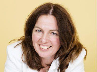 """Svenja Hofert, Karriereexpertin: """"Wer Karriere im IT-Bereich machen will, muss sich ständig weiterbilden."""" (Foto: Davide Michaels)"""