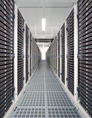 Stromspartipp: Die Host Europe GmbH richtet ihre Racks so aus, dass die Server mit der jeweils zu kühlenden Seite in den Kaltgang zeigen