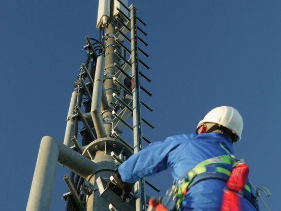 Der Ausbau der neuen Netze kostete viel Geld - die Betreiber gaben ihre Kosten an die Kunden weiter.