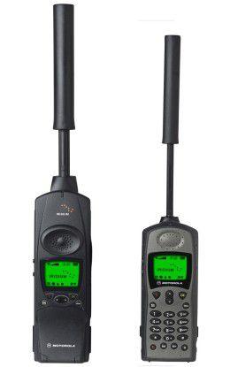 Zwei aktuelle Handys von Iridium - im Notfall auch für die Selbstverteidigung einsetzbar.