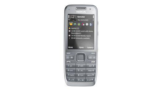 Unter allen Teilnehmern verlost die Computerwoche außerdem zwei Nokia E52 Business Smartphones.