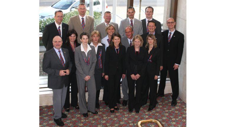 Das Kompetenzteam: die Mitarbeiter der Zentrale Düsseldorf und die Regionalleiter