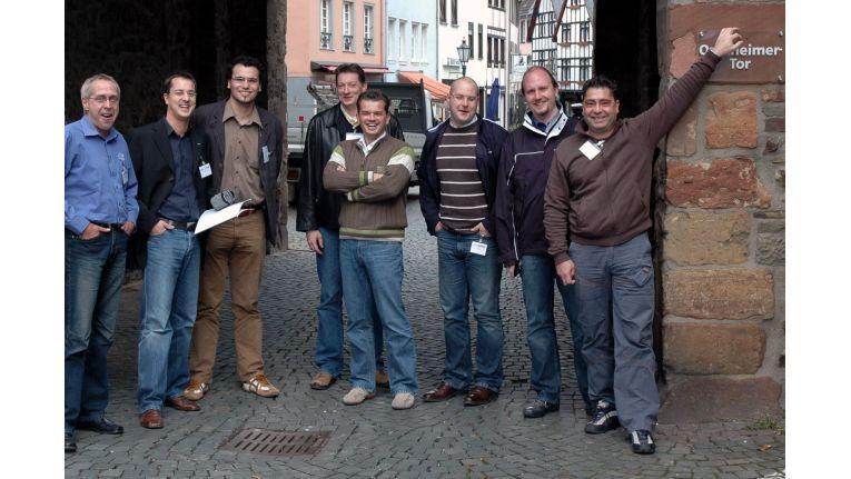 (v.l.:) Pascal Gaertig, Dominic Mein, Benjamin Herdt, Carsten Nause, Oliver Barz, Andreas Foerste, Björn Friedrich und Dirk Müller sind siegessicher.