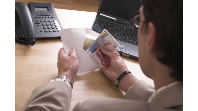 Der Forderungsverkauf kann eine echte Hilfe sein wenn man bei der Suche nach dem passenden Finanzdienstleister die Augen offenhält.