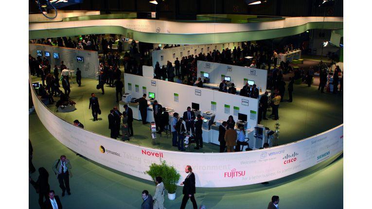 Gemeinsam mit zahlreichen Industriepartnern stellte FSC auf der Visit 2007 Green IT in den Mittelpunkt.