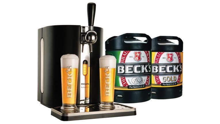EP:Schneider kann den achten Rang im Deko- Wettbewerb mit einem frisch gezapften Bier feiern, denn als Preis gibt es das Zapfsystem PerfectDraft von Philips.
