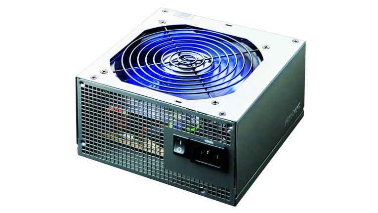 Mit blau leuchtendem 120-mm-Lüfter: das Netzteil NeoPower 650 Blue von Antec